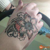 """Мехенди """"Красный цветок"""" )) от нашего мастера"""